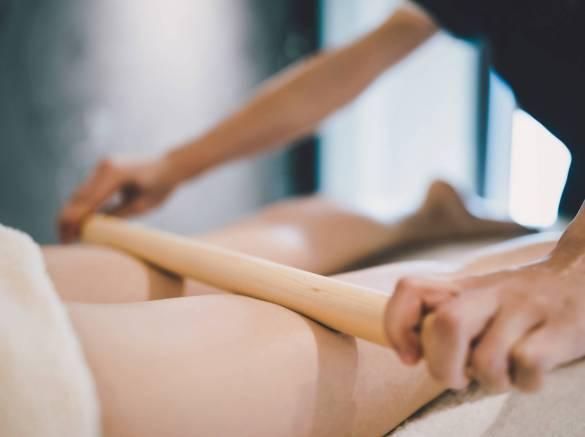 Massage au bambou pour la circulation sanguine