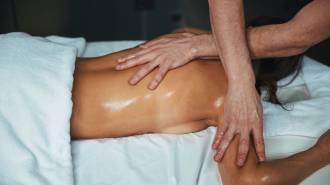 Massage-aux-huiles-essentielles